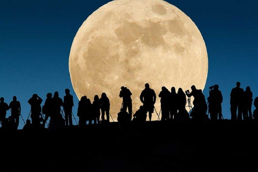 Breathtaking: Don't Miss Out On The First Full Moon In 29 Days!