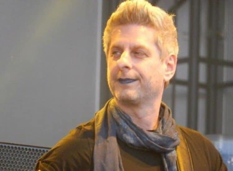The REAL Reason Mike Gordon Wore Blue Lipstick Sunday Will Bring You To Tears