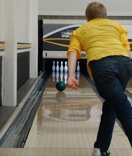 Report: Professional Bowlers Still Miss Pins Somehow